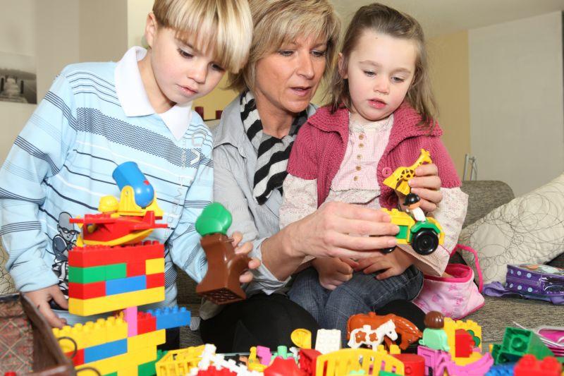 Jak pro své děti sehnat hlídání?